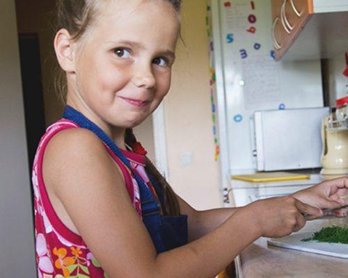 Aštuonmetė Aistė išmoko pasitikėti savimi ir ją supančiais žmonėmis iliustracija
