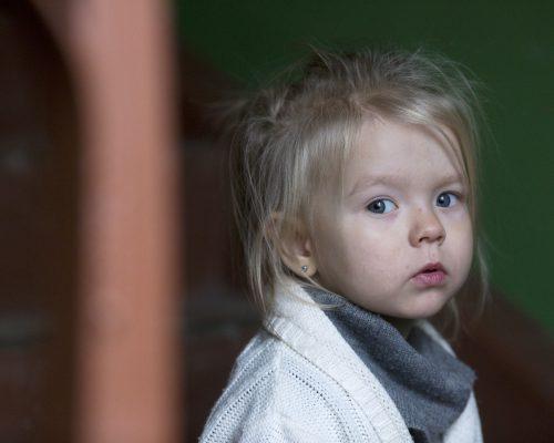 Kiekvienas galime apsaugoti mūsų vaikus: SOS vaikų kaimai ir Aukok.lt iliustracija