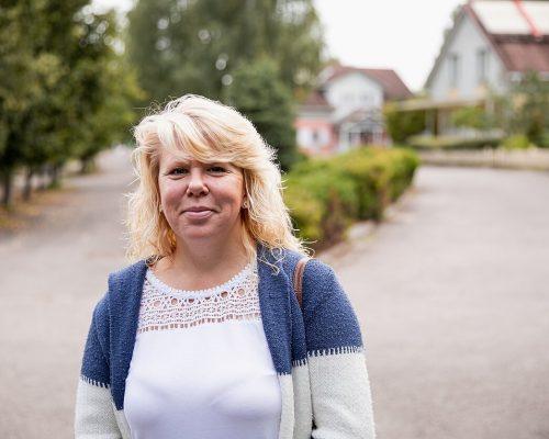 19 metų dirbusi kirpėja, Renata tapo SOS teta: pasidaro baisu pamačius, ką vaikai atsineša iš praeities iliustracija
